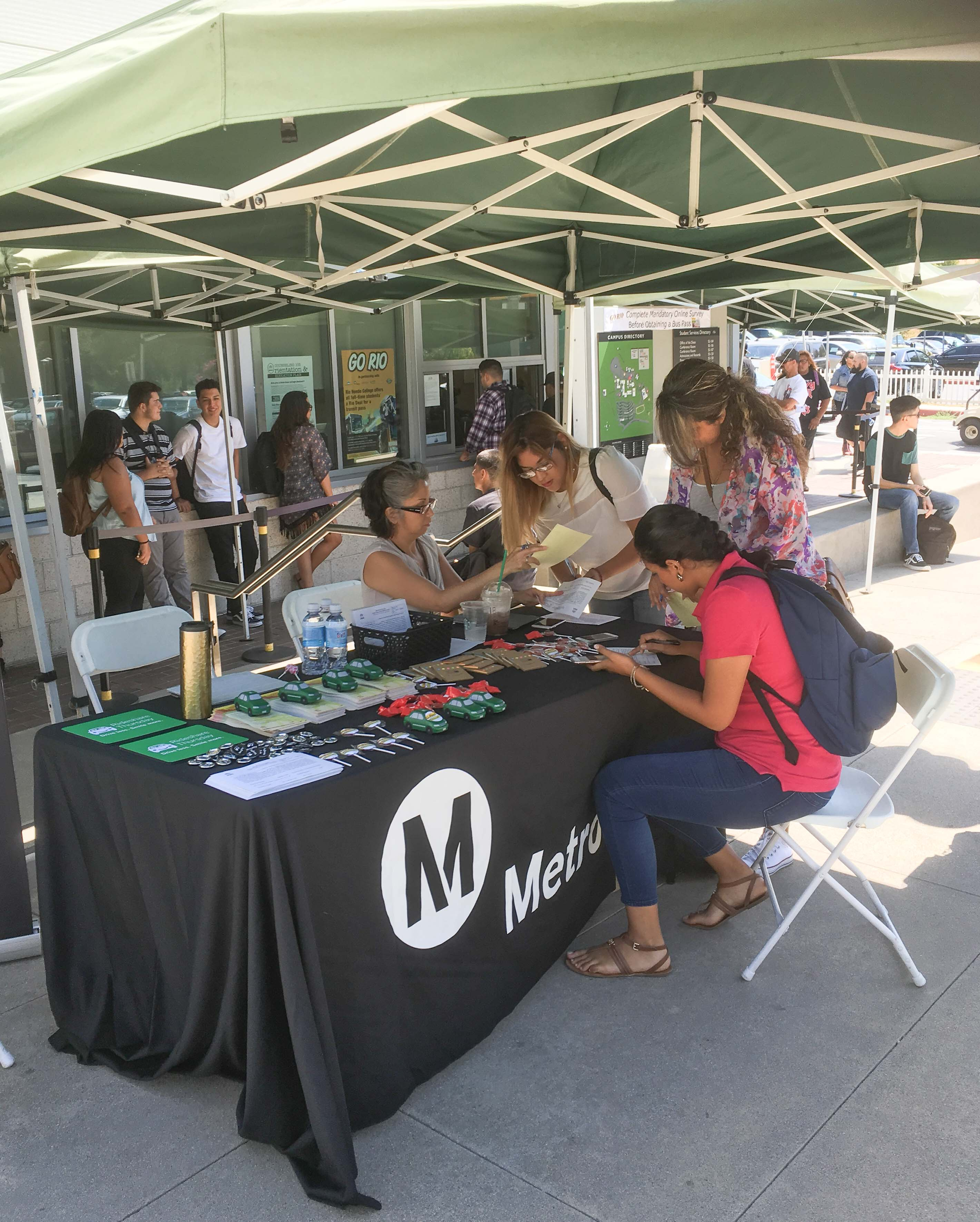 Metro at Rio Hondo College signing up students for U-PASS