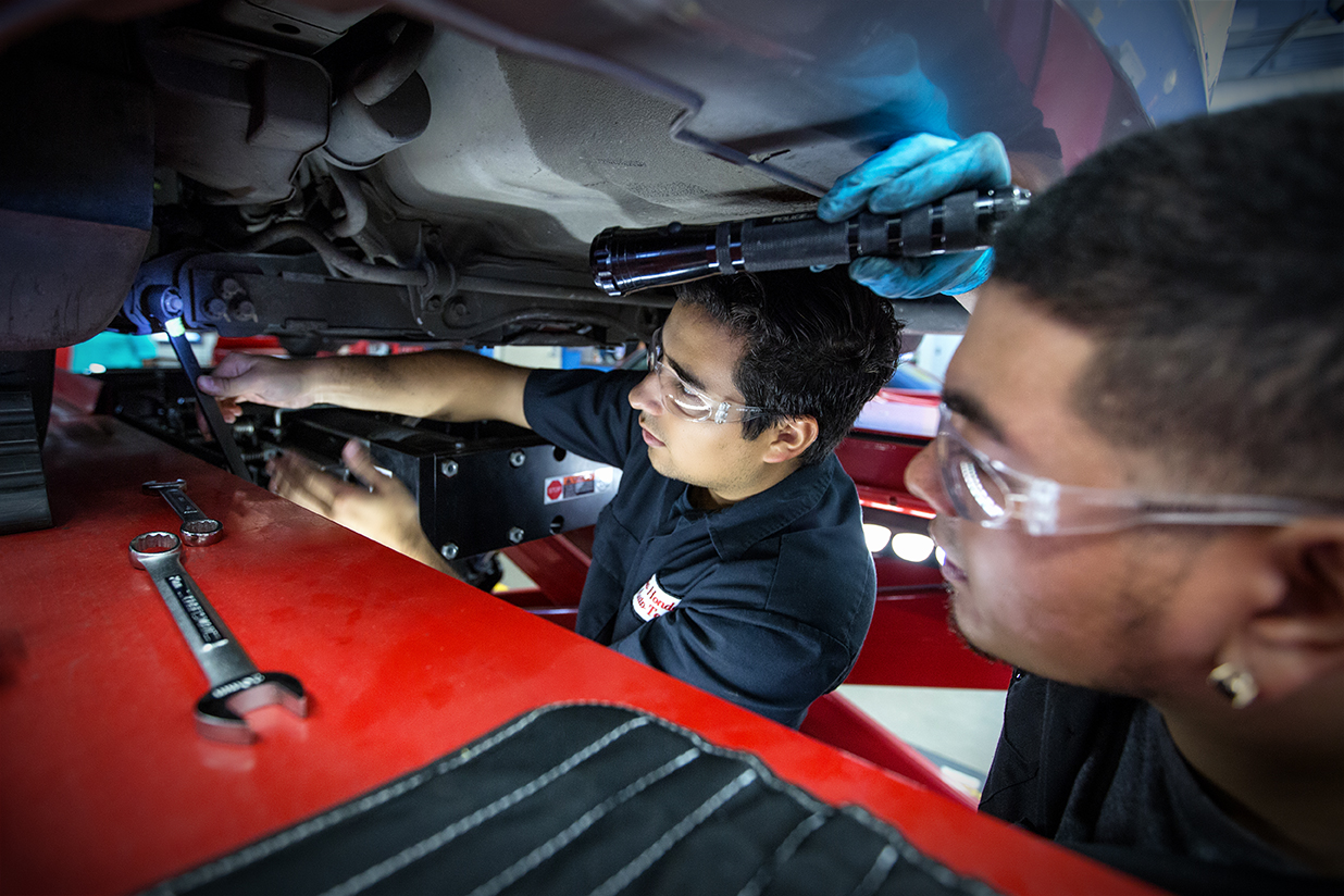 Auto Technolgy Students